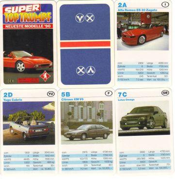 """Das Super Top Trumpf Autoquartett von Berliner Spielkarten mit Namen """"Neueste Modelle 90"""" hat einen Ferrari 348 auf dem Titel und Volksbank-Raiffeisenbank-Werbung."""