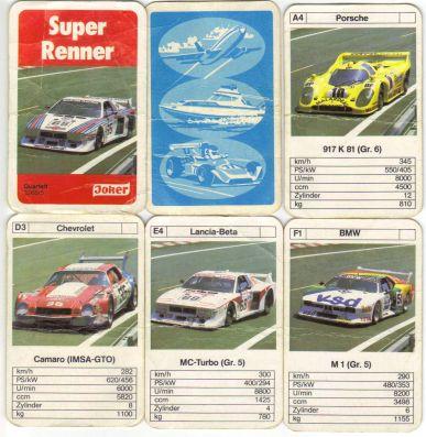 Das Joker-Autoquartett Super-Renner hat eine FX Schmid Karten-Rückseite und eine ASS-Kartenvorderseite und das Logo von Bielefelder Spielkarten mit Porsche 917, Lancia Beta und BMW M1 Procar