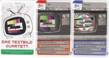 Das kultige Testbild-Quartett von Quartett.net zeigt Testbilder aus der TV-Geschichte und vielen Ländern – alles was nach Sendeschluss mit nervigem Piepen im Fernsehen lief.