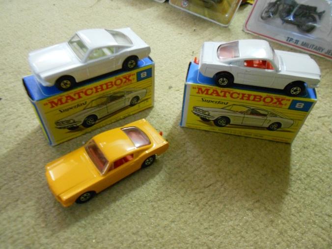 Der Matchbox Superfast Car Ford Mustang ist ein Sammlerstück mit der Nr. LS-08 A und hier in weiß bzw. hell-orange als rares Pre-Pro-Modell mit dünnen 5-Spoke-Wheels - Sammlerwert bis 4500 Euro.
