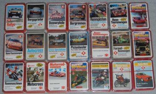 Eine Übersicht über die großformatigen Autoquartette und Motorradquartette von Berliner Spielkarten des Fotografen Thomas Dirk Heere