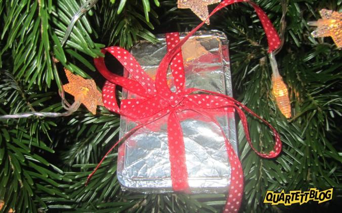 Ein altes Autoquartett zu Weihnachten wünscht der Quartettblog –Sammlerinfos für Quartettkartenspieler!