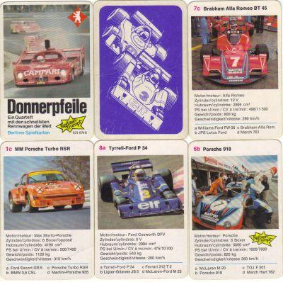 Das historische Rennautoquartett Donnerpfeile von Berliner Spielkarten hat einen Alfa 33 TT Le Mans Prototyp auf dem Titel sowie den sechsrädrigen Tyrrell P34, den Spitzentrumpf Porsche 918 und andere mit deutsch-französischem Text.