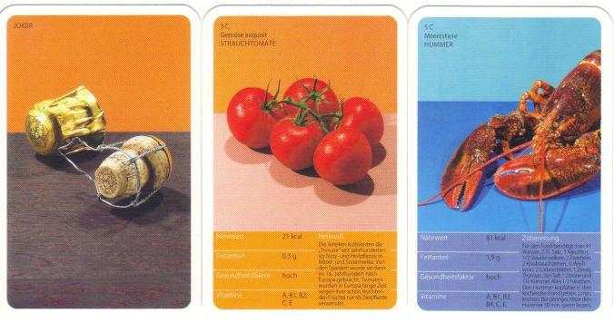 """Das Quartett-Kartenspiel der Karstadt-Restaurants Le Buffet hat Sektkorken auf dem Titel, den Slogan """"immer wieder, immer lieber"""" auf der Rückseite und Nährwerte und Zubereitungstipps auf der Vorderseite."""