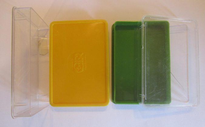 Gelbe und grüne Quartettschachtel